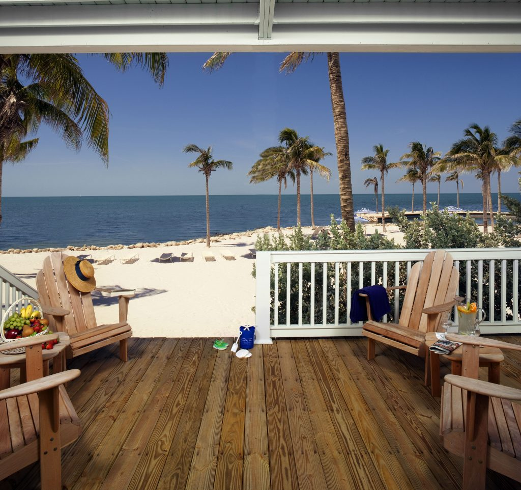 Spacious beachfront beach house with access to pivate beach, perfect for all the family, at Tranquility Bay Resort, Florida Keys